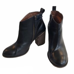BP Nordstrom Black Leather Ankle Boots Size 8